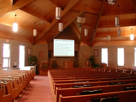 House of Worship with ceiling mounted projector and electric projection screen